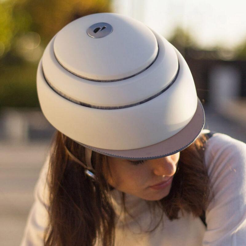 Flit ebike - closca folding helmet