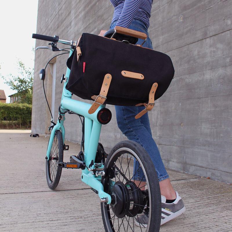 Flit ebike - frost + sekers saddle bag